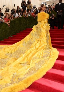 China-Through-Looking-Glass-Costume-Institute-rihanna-guo-pei-couture