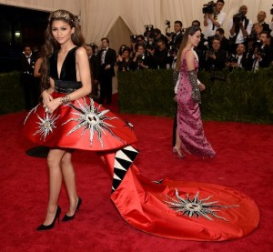 China-Through-Looking-Glass-Costume-Institute-zendaya